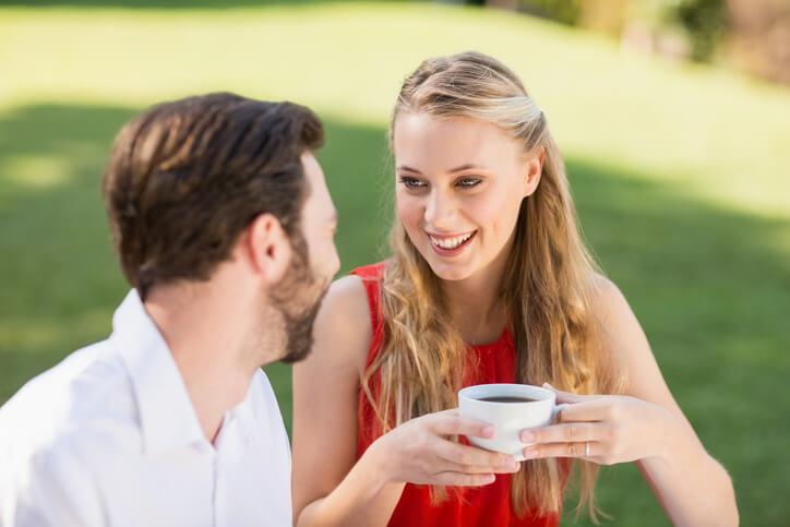 男性が思わず「うちの彼女かわいいな」と見とれてしまう瞬間とは