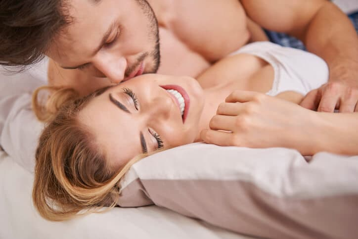 「正直たまりません!」ついつい男性が彼女の唇を奪いたくなる瞬間