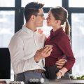 同僚や上司が好き! 付き合うための5ステップ