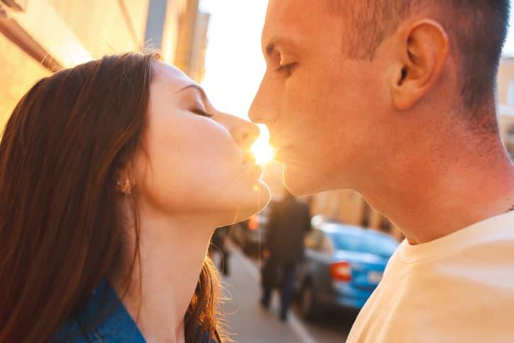彼からのキスはどんな意味だった?