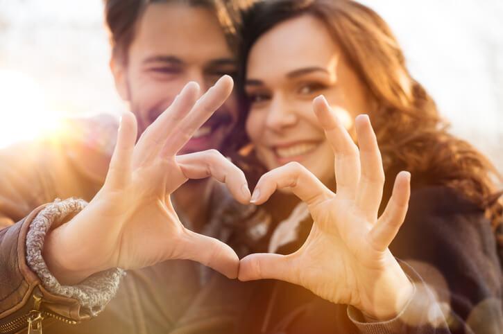 ふたりが生まれた月で判断する!将来「ラブラブ夫婦」になるカップルTOP5