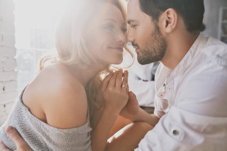 男性が「重い」と言いがちだけど、本当に好きな人からされたら嬉しいこと