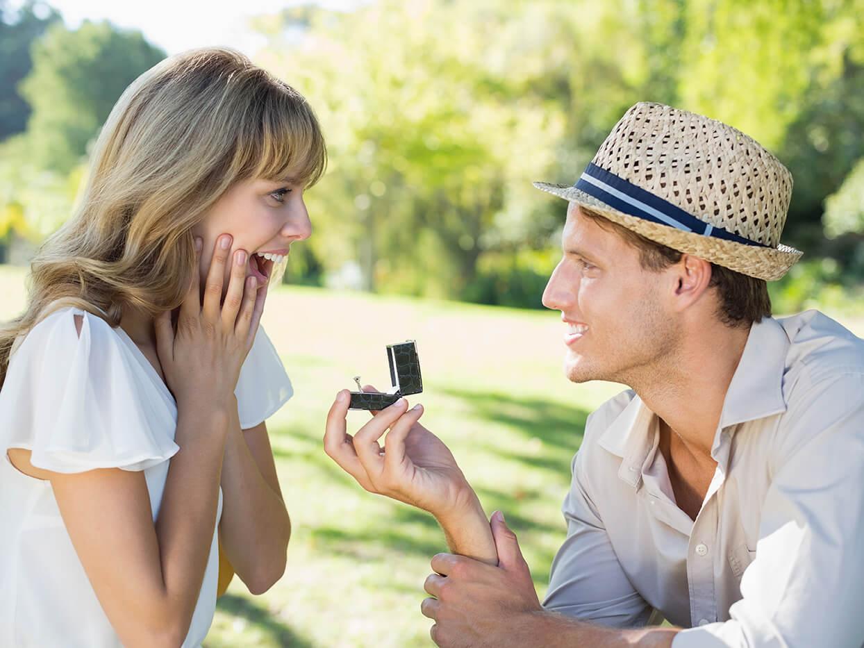 コロナの情勢下だからこそ!彼氏に「結婚したい」と思わせる方法とは?